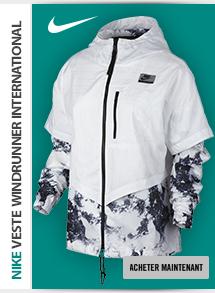 Nike International W